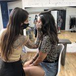 Backstage shooting campagne KVD Vegan Beauty Sephora France avec Alizée